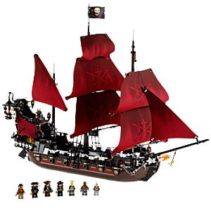 Queen Annes Revenge Pirates of the Caribbean Lego Play Set