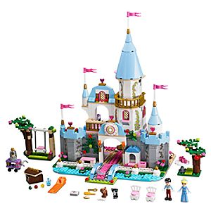 Cinderella's Romantic Castle Playset by Lego