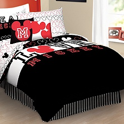 Iconic Mickey Mouse Comforter