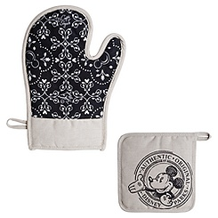 Gourmet Mickey Mouse Potholder and Oven Mitt Set