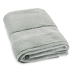 Mickey Mouse Icon Bath Towel - Light Green